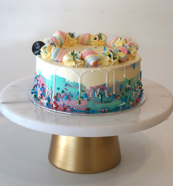 Beautiful cake from online cake delivery,littlecollins